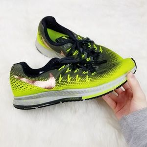 Nike|Zoom Pegasus 33 Shield Running Sneakers